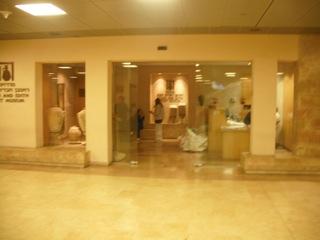 כניסה למוזיאון